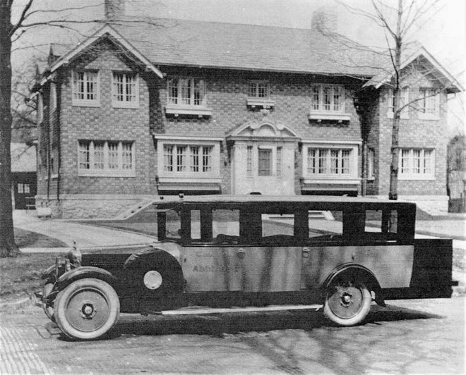 The limousine-style vehicles were produced in Fremont in the 1920s.