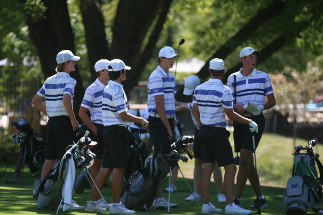 Waukee boys golf gets ready to take on Urbandale High School Wednesday, Sept. 2 in Urbandale.