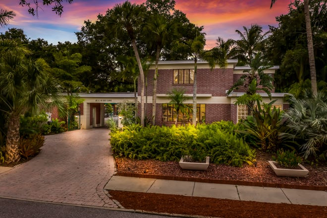 A unique home built in 1936 in the Art Deco style has come onto the market in the Cherokee Park neighborhood in Sarasota. The asking price for this two-story, 3,300-square-foot home that comes with pool, guest house and a garage that can accommodate a dozen cars is $1,900,000.