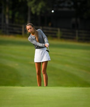 Makensy Knaub of Dallastown chips onto the green on hole nine of the York-Adams Division I golf match at South Hills Golf Club, Tuesday, September 15, 2020. John A. Pavoncello photo