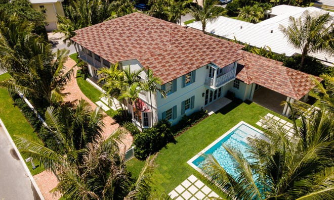 Completed this year, a four-bedroom house at 1556 N. Ocean Blvd. has sold for a recorded $7.15 million on the North End of Palm Beach. [Photo by Dakoda Wright for AndyFrame.com]