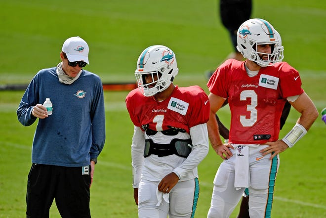 Once the Dolphins selected Tua Tagovailoa (1) in the first round of the NFL Draft, fellow quarterback Josh Rosen (3) became expendable and he was cut.