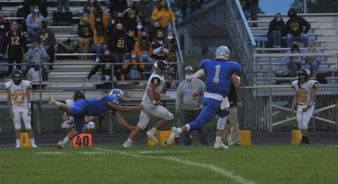 Tristan Cross is a tough runner to stop coming out of the back for the Eagles.