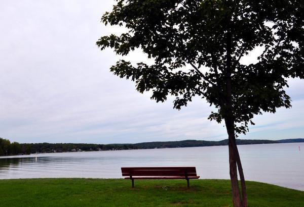 Keluarga Hemingway memiliki pondok musim panas di Danau Walloon dekat Petoskey, Mich.