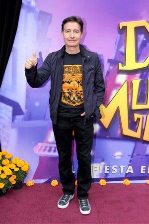 El productor Roberto Gómez Fernández termina su relación laboral con Televisa, luego de 39 años.