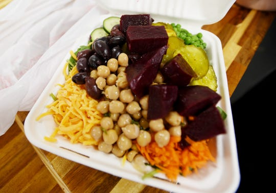 Sunshine Health Market and Cafe offers fresh, hot meals made with natural and organic ingredients.