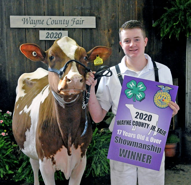 Tim Gunkelman won the senior dairy showmanship overall and the dairy showmanship age 17 years and older award.