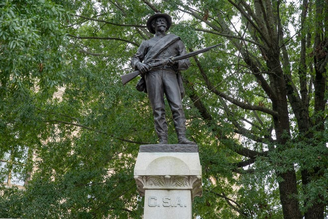 The Robert E. Lee Chapter of the Daughters of the Confederacy No. 324 has signed a settlement agreement with the City of Lexington to move the monument from its current location on Main Street to an alternative location outside of the city limits.