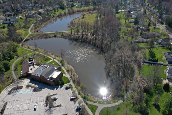 On Thursday at 3 and 5:30 p.m., City of Hudson hosts the first of live webinars about the current design of the upcoming Barlow Community Center Dams Improvement Project.  Residents can email in their comments to www.hudson.oh.us/BCCDamComments.