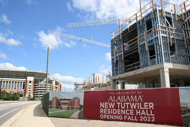 The University of Alabama is constructing a new Tutwiler Hall to replace the existing building. The dorm is located behind Bryant-Denny Stadium. [Photo/Hannah Saad]