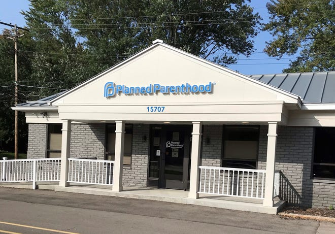 Pro-lifers protested at Planned Parenthood-Livonia Health Center on Farmington Road on Sept. 9, 2020.