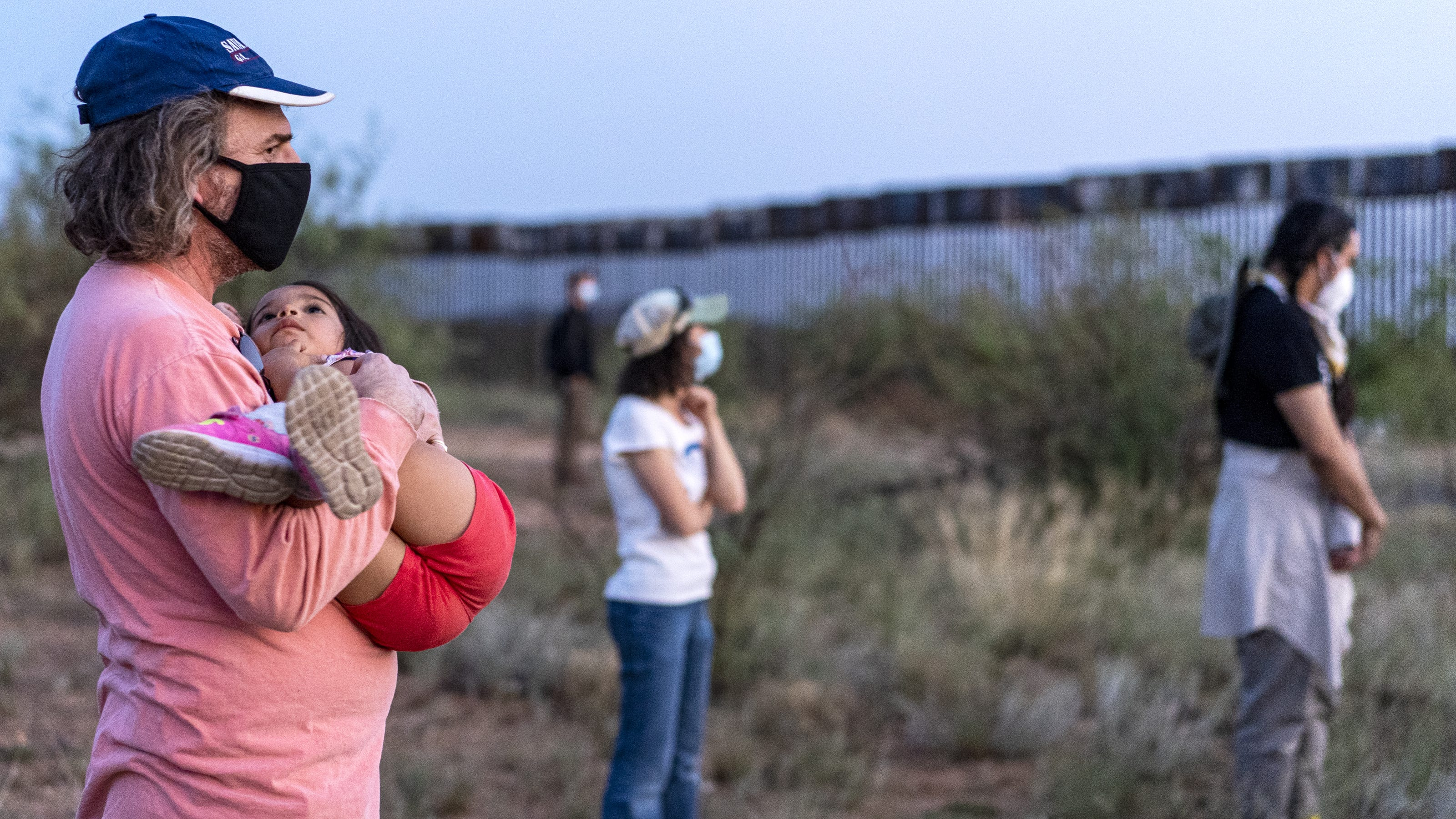 Interfaith groups use prayer vigils in weeklong protest of border wall construction