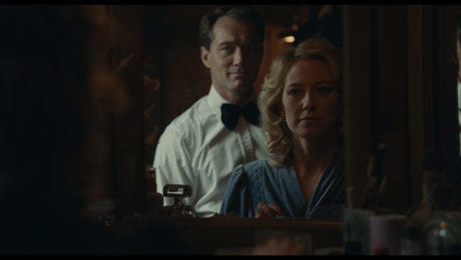 """Jude Law and Carrie Coon star in """"The Nest."""""""