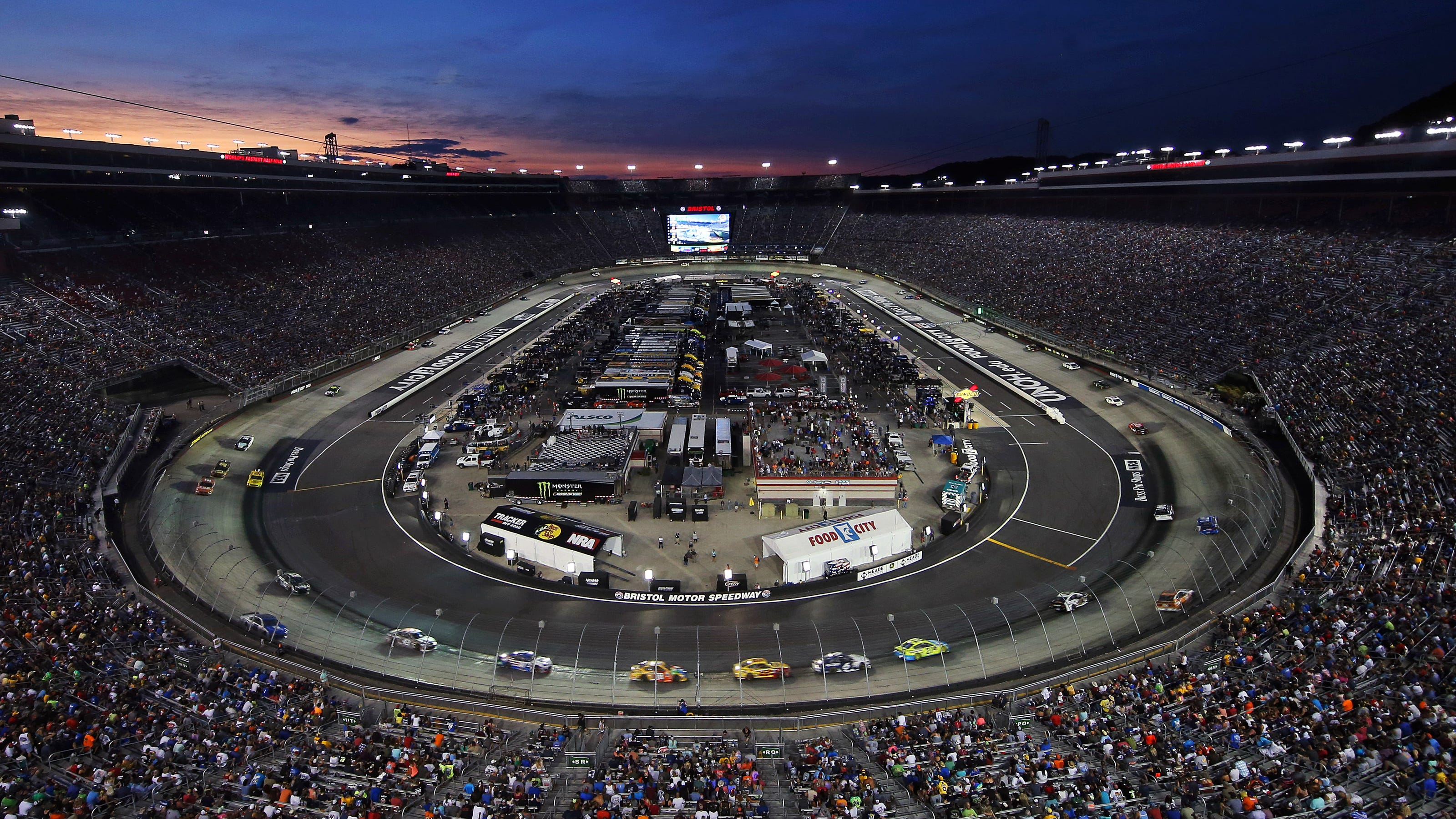 Nascar At Bristol Start Time Lineup Tv Schedule For Playoff Race