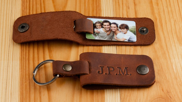 Best photo gifts of 2020: Photo and Engraved Keychain