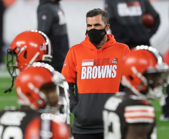 Browns coach Kevin Stefanski would like to have his players on the field as much as possible but is deferring to the players association decision to continue offseason programs virtually. [Jeff Lange/Beacon Journal]