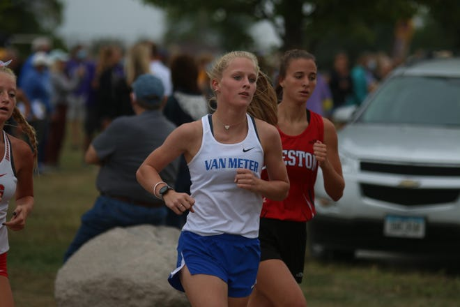 Clare Kelly off to a strong start Tuesday, Sept. 1 during the road meet in Dallas Center.