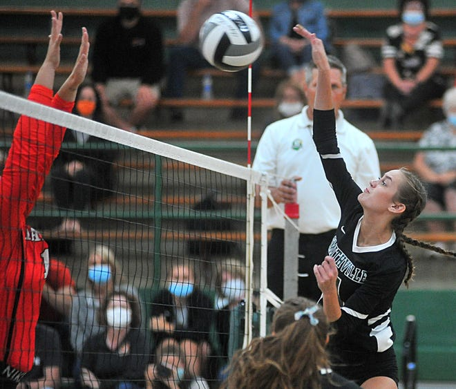 Brooke Karlen leads a deep Smithville team into the playoffs, hoping to make its longest playoff run in years.