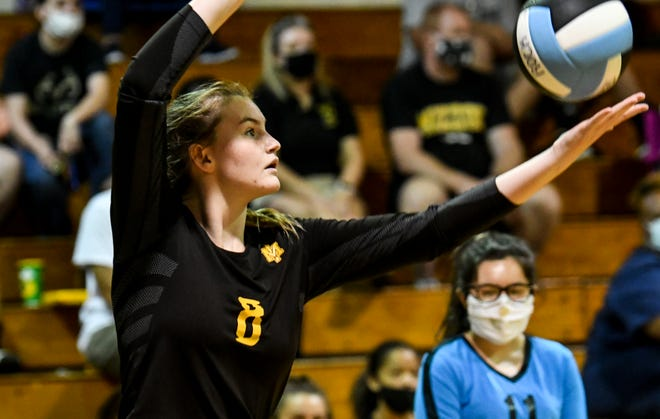 Katie Callenberger serves for Merritt Island during Thursday's match against Rockledge. Craig Bailey/FLORIDA TODAY via USA TODAY NETWORK