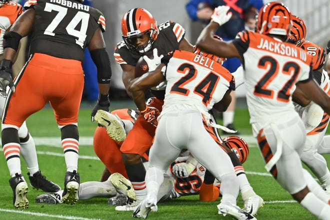 Sep 17, 2020; Cleveland, Ohio, USA; Cleveland Browns running back Nick Chubb (24) runs the ball for a touchdown during the first quarter against the Cincinnati Bengals at FirstEnergy Stadium.