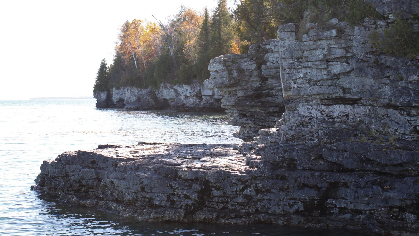 Fall hiking in Door County: See blooming flowers, animals preparing for winter