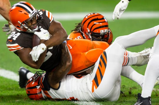 Browns RB Nick Chubb falls into the end zone for a touchdown against the Bengals. Chubb had 2 TDs in the win.