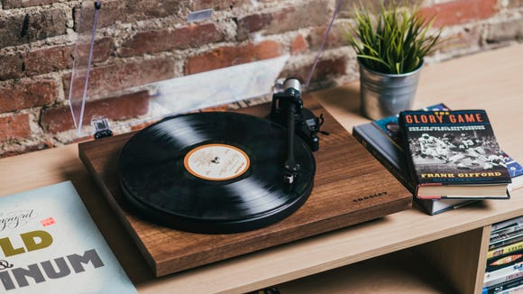 Best tech gifts: Crosley C6