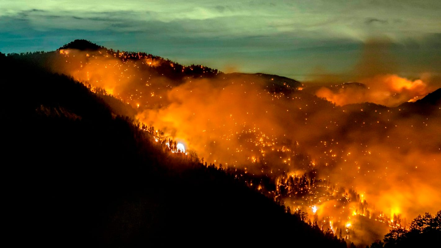 Fact check: Trump extends wildfire aid to California, offers help to Russia thumbnail