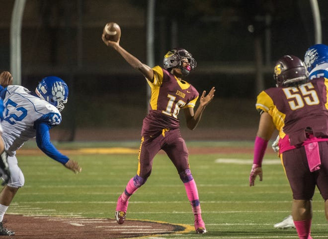 Edison High's Treyvon Breckenridge throws a pass against Bear Creek during a 2018 game at Magnasco Stadium. The former Vikings quarterback was killed in a car crash Friday night.