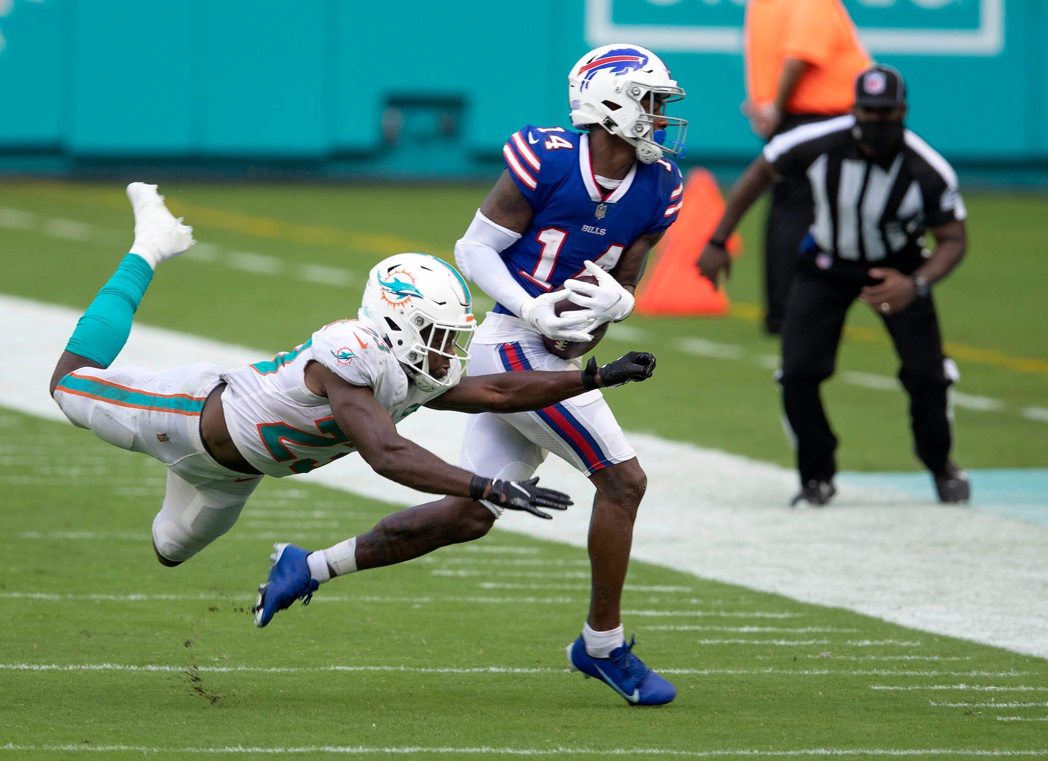 Miami Dolphins Rookie Noah Igbinoghene Struggles Against Bills