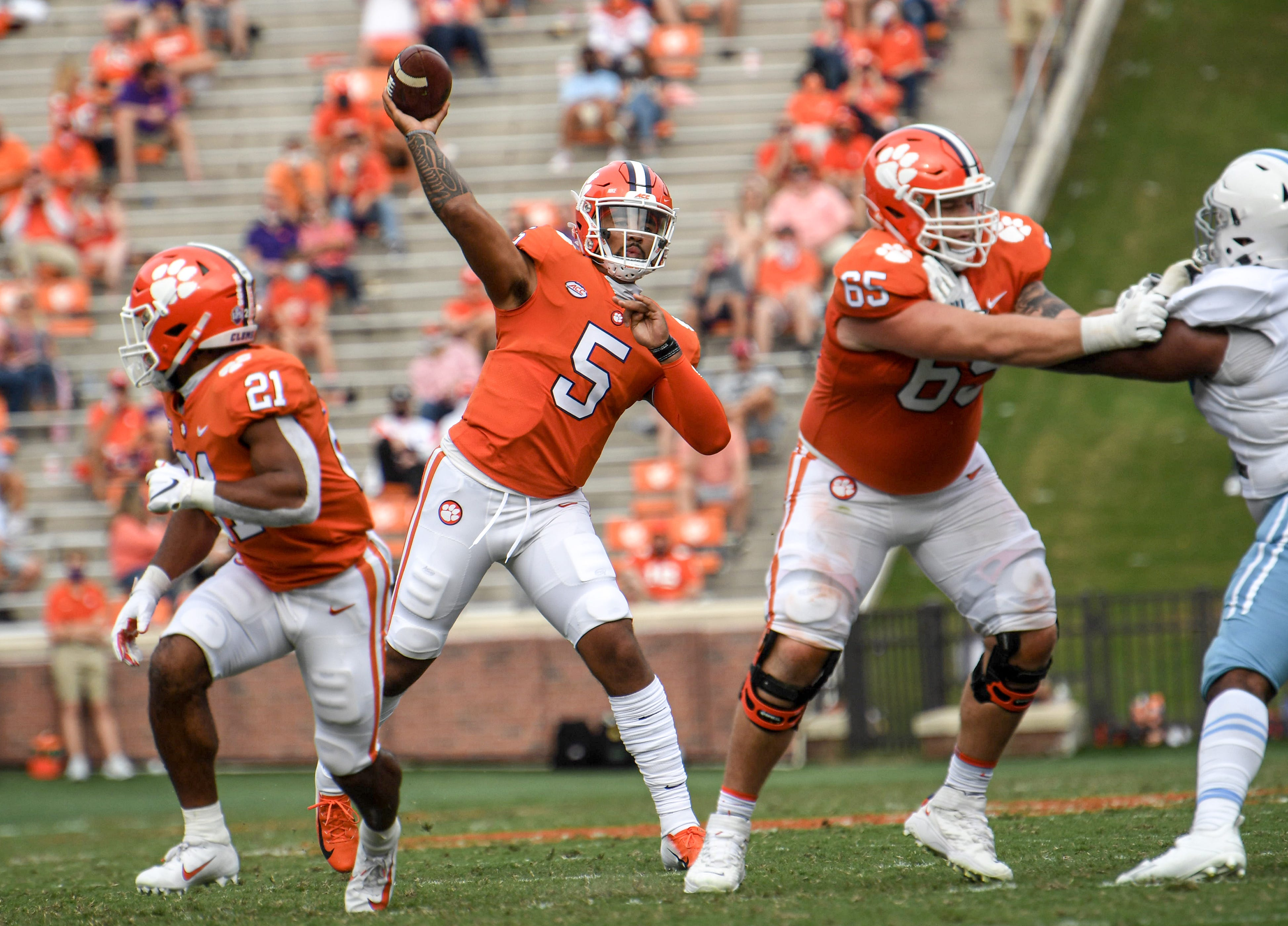Uiagalelei next big name in remarkable string of Clemson quarterbacks