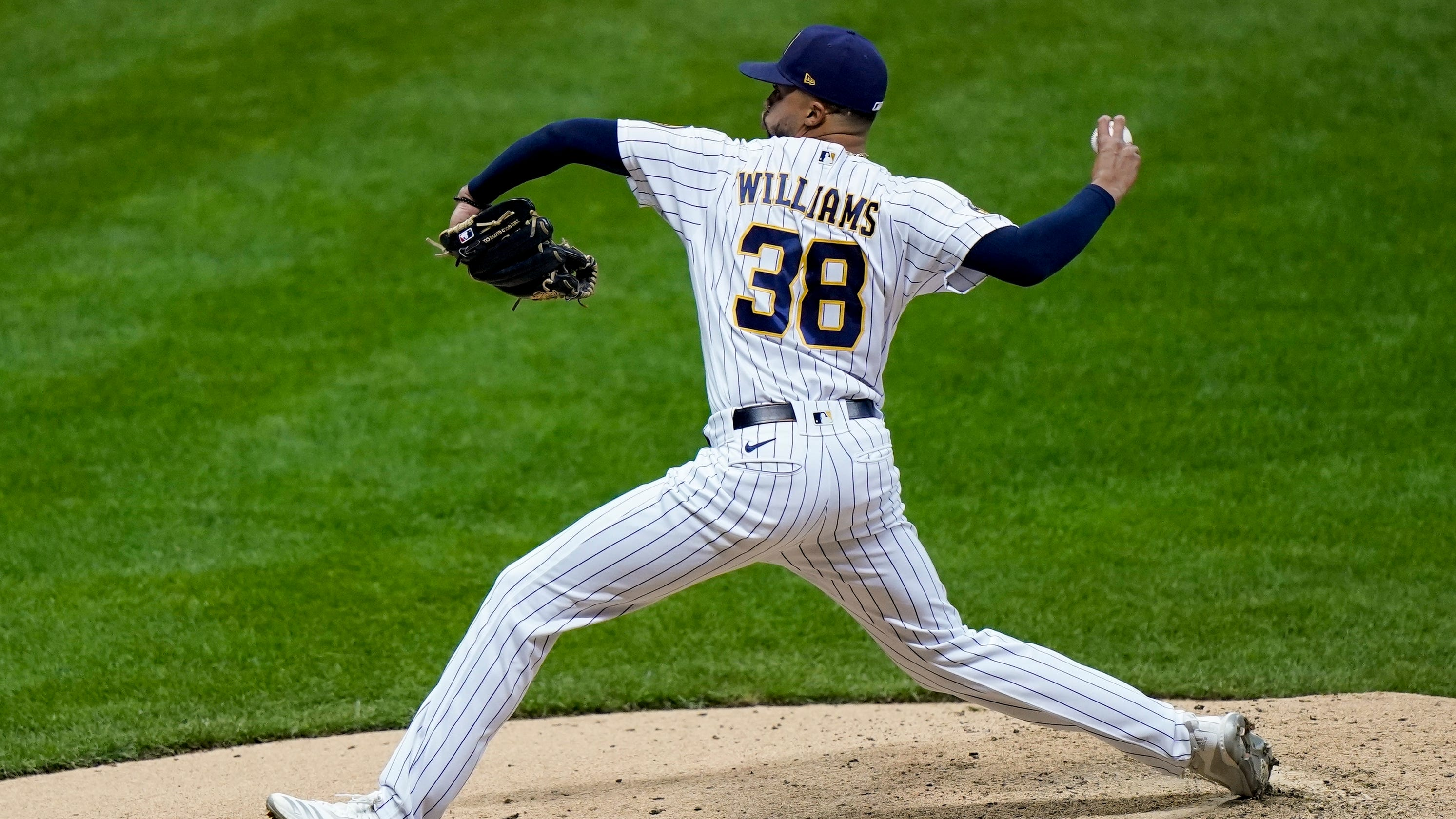Devin Williams caps outstanding season by being named National League's reliever of the year