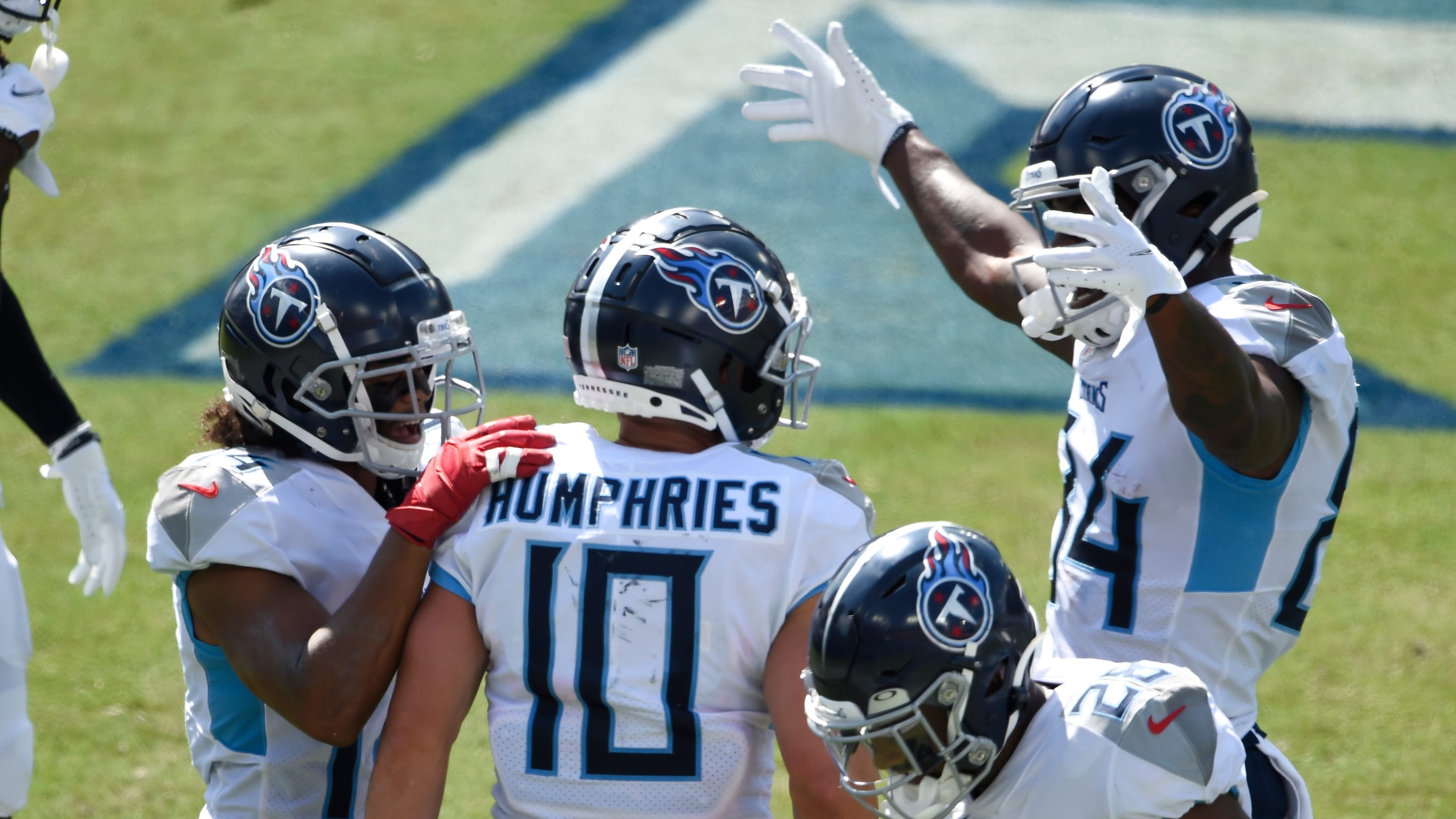 Good show, bad defense as Titans outscore Jaguars to improve to 2-0 | Estes