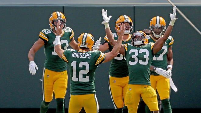Green Bay Packers Aaron Jones Huge Day Powers 42 21 Rout Of Lions
