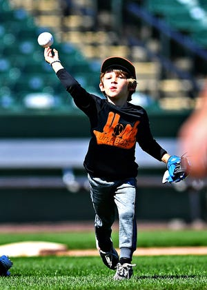 Gray 2 vs Black during t-ball division York Little League action at PeoplesBank Park in York City, Sunday, Sept. 20, 2020. Dawn J. Sagert photo