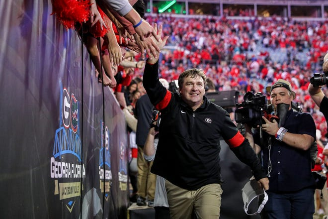 Before Georgia football coach Kirby Smart can celebrate another victory over Florida before far less fans at TIAA Bank Field in 2020,  his Bulldogs have to pick the right quarterback.
