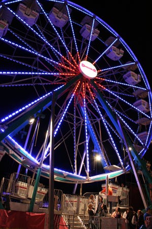 A Ferris Wheel will be on hand at the Clay County Fairgrounds this weekend for Food, Fun & Flicks.