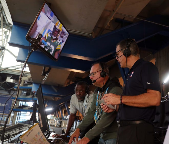 Detroit Lions radio team calls matchup at Lambeau from empty Ford Field