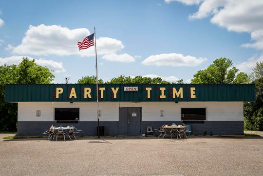 Party Time Bar outside of Temple was one of many bars closed during the coronavirus pandemic in March. Bar industry groups say Gov. Greg Abbott has not responded to proposals for how they can reopen safely during the pandemic.