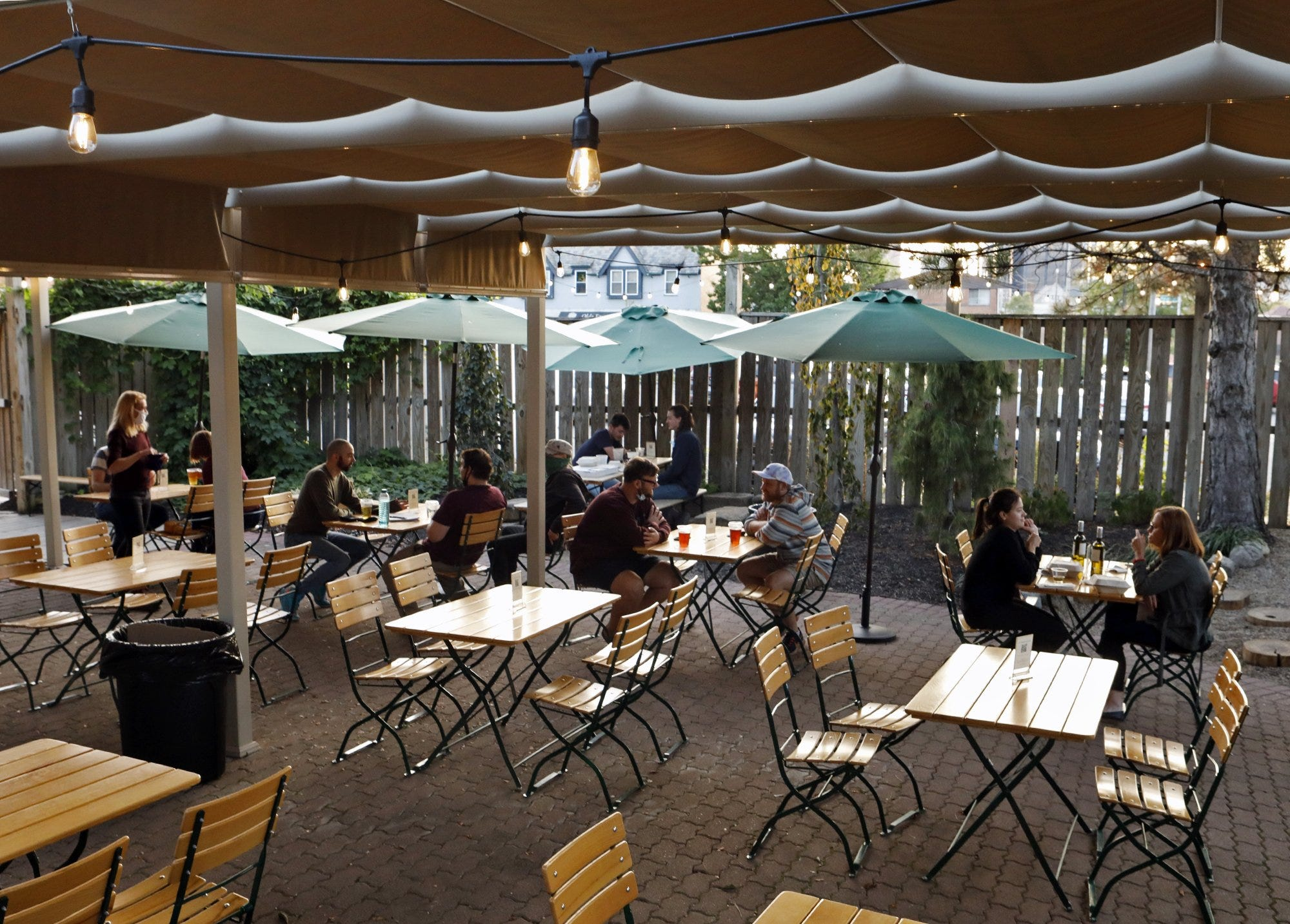 Restaurants Use Heated Tents To Keep Diners Outside In Covid 19 Winter