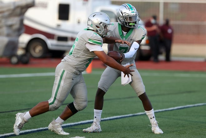 Amare Jenkins (right), Ed Worthen and Dublin Scioto will aim for their fourth win in a row Friday, Sept. 25, at winless Delaware.