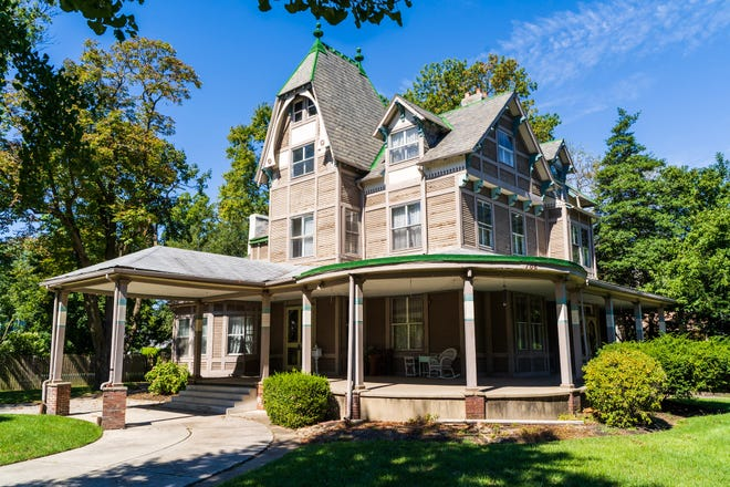 The Earnshaw Mansion in the Riverton Historic District in South Jersey is for sale and likely the work of Philadelphia architect Frank Furness  during the Victorian era. The house is on the National Register of Historic Places,