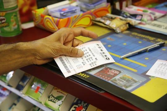 Game jackpot besar seperti Mega Millions dan Powerball cenderung menarik semua perhatian, tetapi untuk saat ini, Lotto 47 adalah taruhan terbaik.