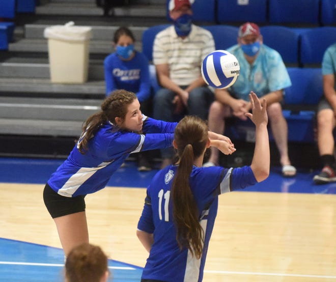 Cotter's Candace Lambert makes a pass during the Lady Warriors' victory over Quitman on Monday night.