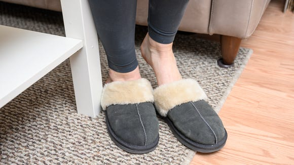 Gifts for new parents: Minnetonka Chesney slippers