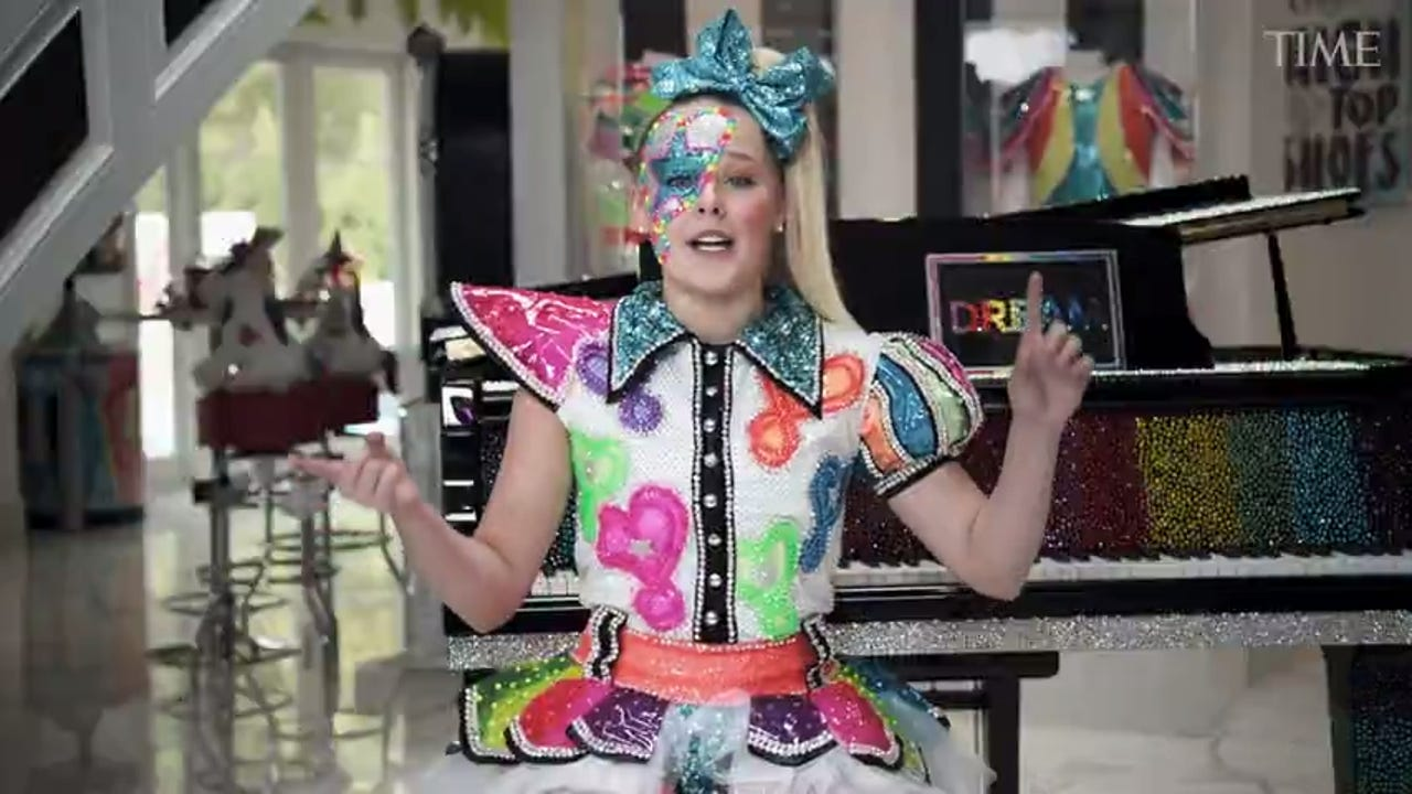 Jojo Siwa Opens Up About Being Pansexual Meeting Her Girlfriend