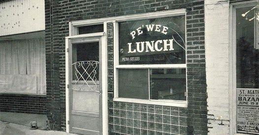 The popular Pe'Wee Lunch when it still was open.