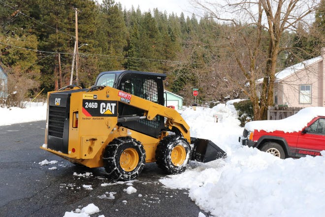 Snow removal in Mount Shasta