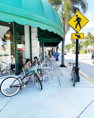 Surfside Diner's seating options include outdoor tables along the South County Road sidewalk in front of the diner. [Photo courtesy Surfside Diner]
