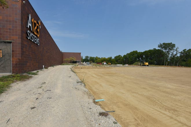 Construction at the site of Beaumont's four-story medical center in Livonia has begun with land clearing and a partial tear-down of the former A123 Systems buildings. The site is on the north side of Seven Mile just west of I-275.